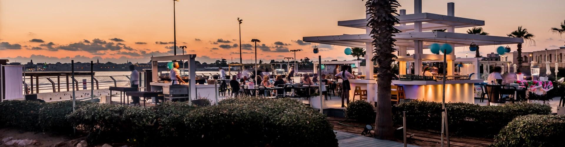 כנסים ואולמות אירועים בעכו - מלון חוף התמרים