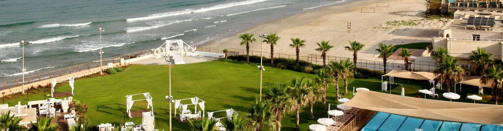 מלון חוף התמרים עכו - צור קשר