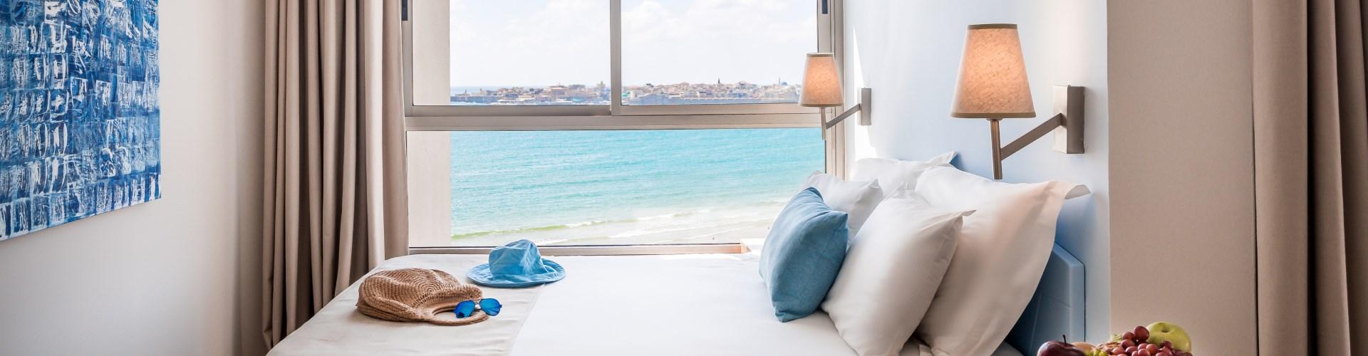 חדרים במלון חוף התמרים