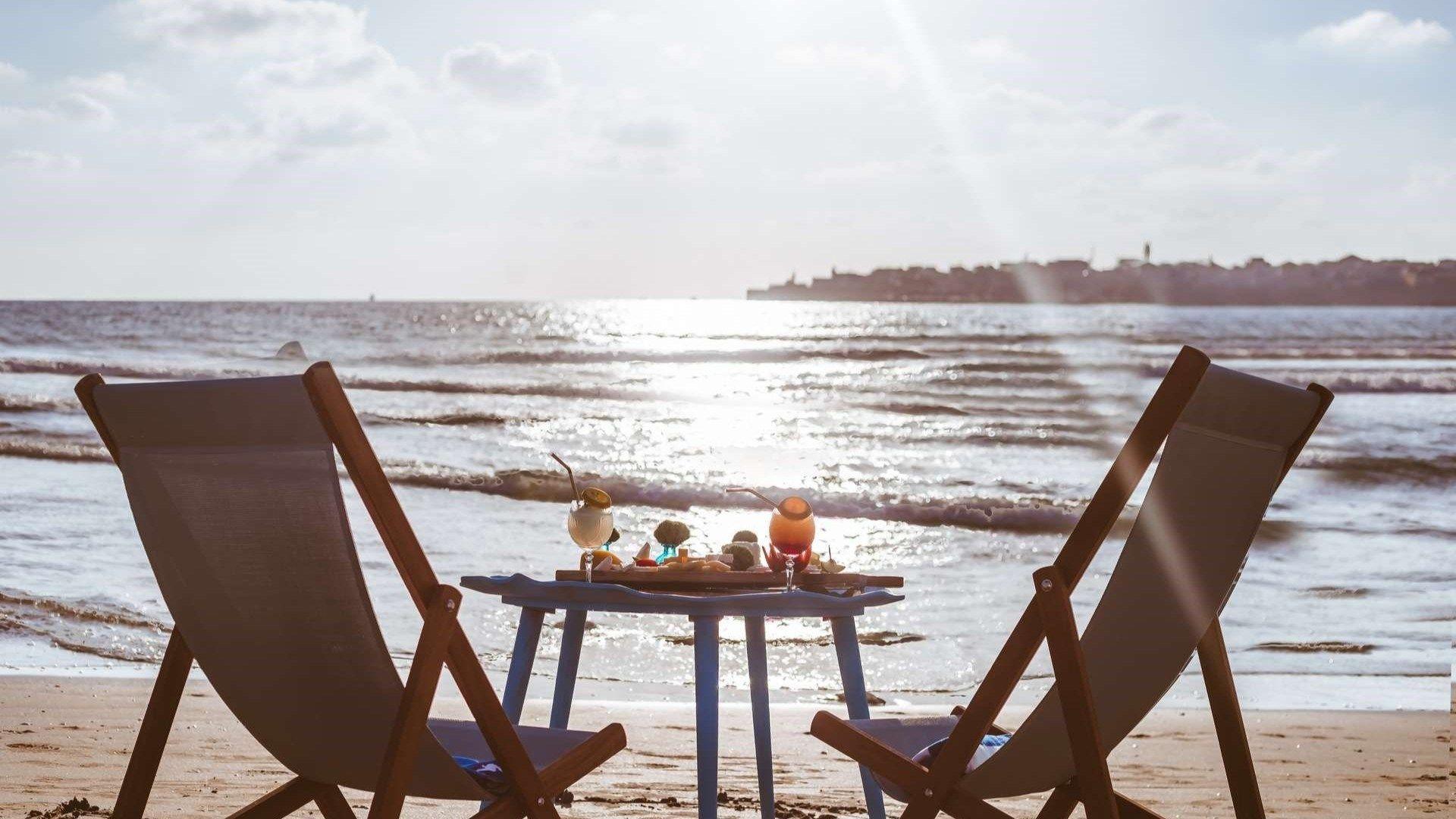 מלון חוף התמרים עכו -מלון בעכו על הים
