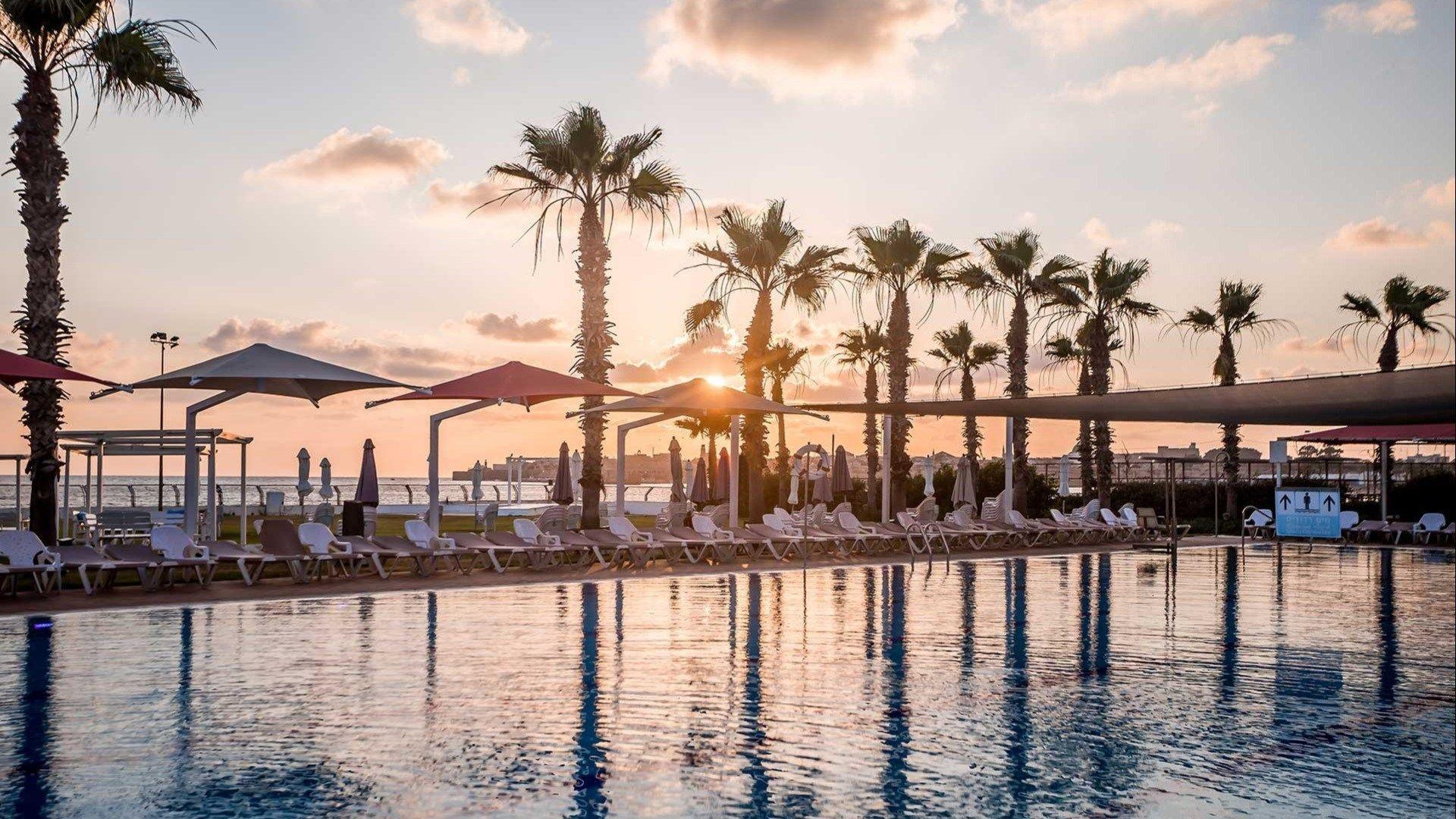 מלון חוף התמרים עכו ,מלון בעכו על הים
