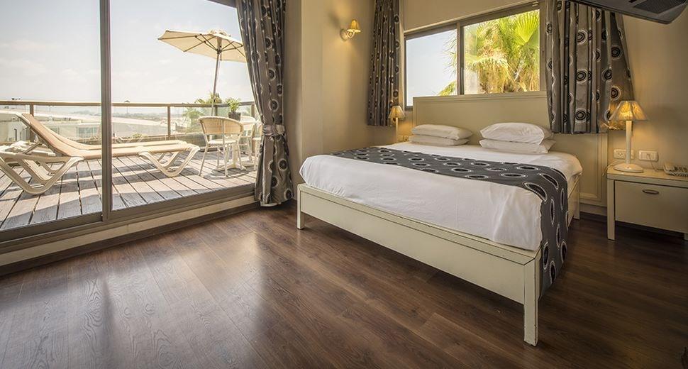 חוף התמרים חדר שינה