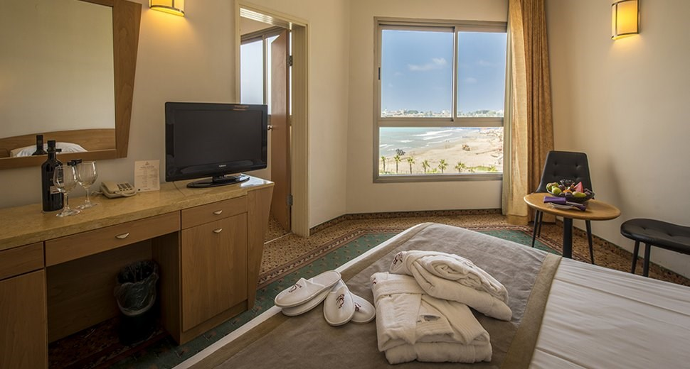 חדר חוף התמרים